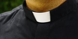 parroco-prete-sacerdote-abusi-minore-siracusa-times